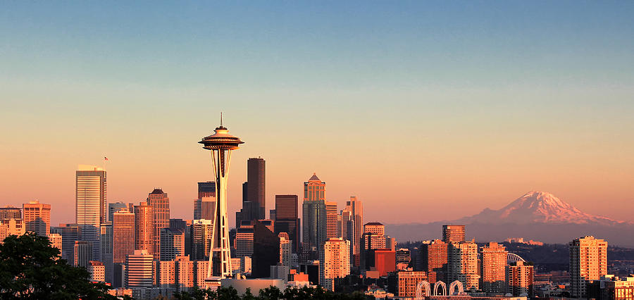 Sunset over the city of Seattle, Washington